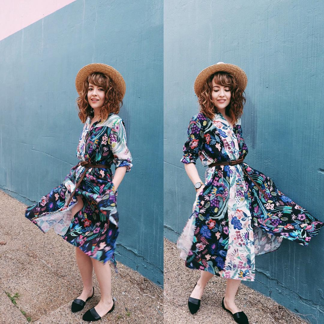 One of the pieces I scored today at the @wardrobewarriorsmarket ... a printed cotton dress with the coolest mix of colours, $5! The shoes were $8 (also found at today's market) originally from @topshop_au #sustainablefashion #slowfashion #fashionmarket #wardrobewarriors #brisbaneblogger #fashionblogger #unmaterialgirl Photo by @jimmyogs